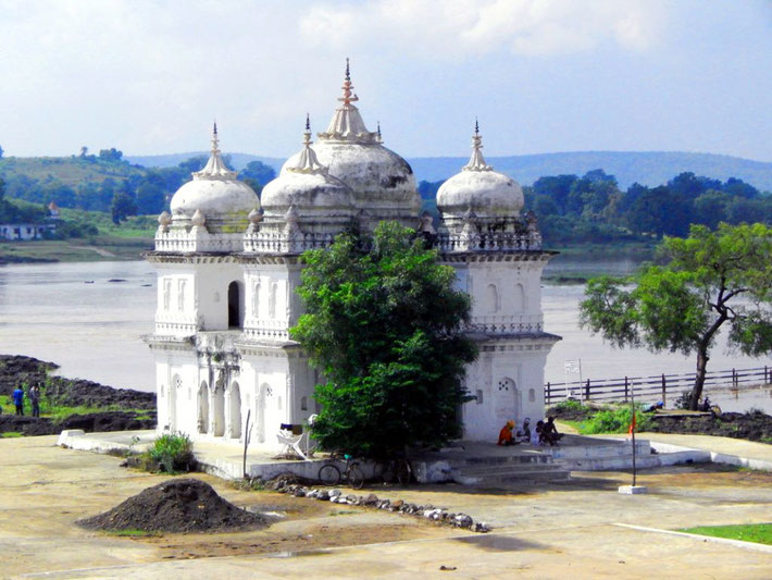 Sahastradhara Temple on the Narmada River.