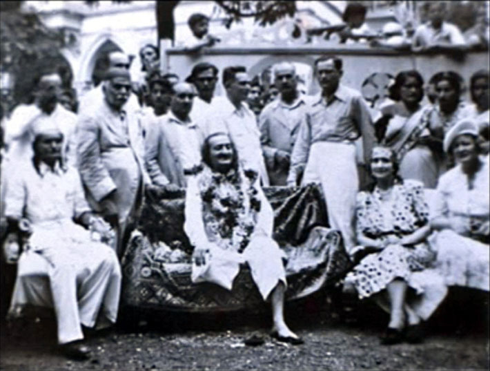 1940s Surat, India : Elizabeth is sitting next to Norina Matchabelli