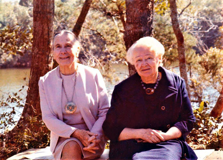 KItty Davy (L) & Elixabeth Patterson (R) at the Meher Center, SC. Courtsey of Hana Debbie Peterson.