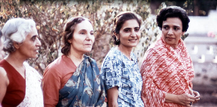 ( L-R ) Dr. Goher, Mehera Irani, Meheru Irani & Arnavaz Dadachanji in India. Photo courtesy of Glenn & Laurel Magrini.