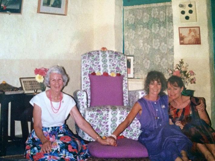 Mandali Hall, Meherazad, India : Judith Garbett, Tricia Migdoll and Raine Eastman-Gannett