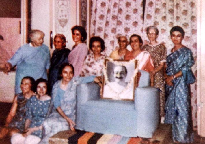 1969 ; Women Mandali