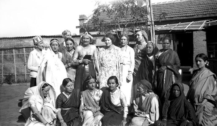 1937 : Valu sitting on the front row, far right in dark sari.