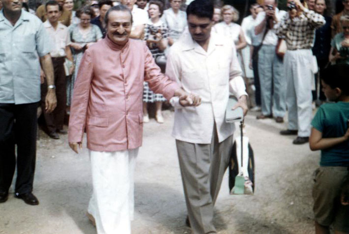 1958 : Meher Baba at the Meher Centre in Myrtle Beach, Sth.Carolina USA,  assisted by Eruch Jessawala & Nariman Dadachanji ( left ).