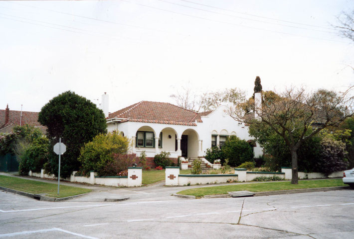 Dr Denis & Joan O'Brien's home in 26 Fairmont Avenue, Camberwell