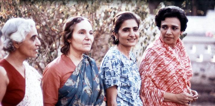 ( L-R ) Dr. Goher, Mehera Irani, Meheru Irani & Arnavaz Dadachanji in India. Photo courtesy of Glenn & Laurel Magrini.