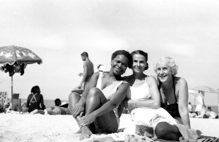 Beryl Williams, Ella Winterfeldt, and unknown woman at the beach on or before 1958. Courtesy of Meher Archives