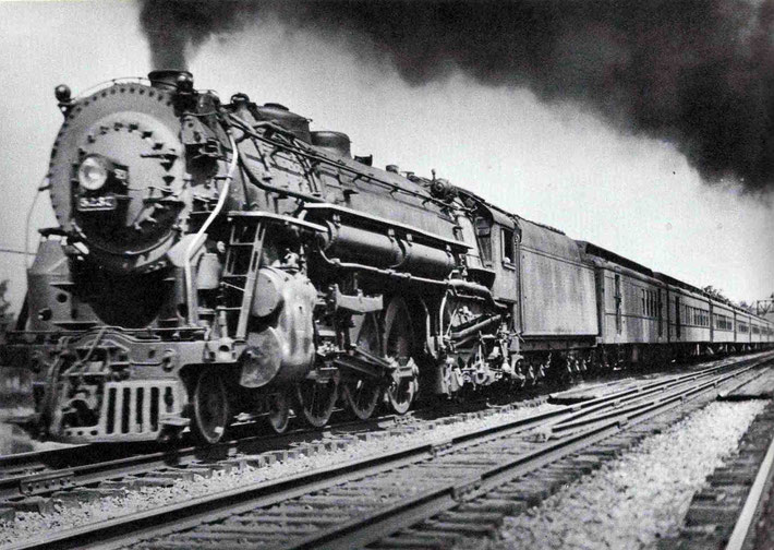 1930s - Typical steam locomotive train on the New York Central line ( 20th Century & Iroquios line ).