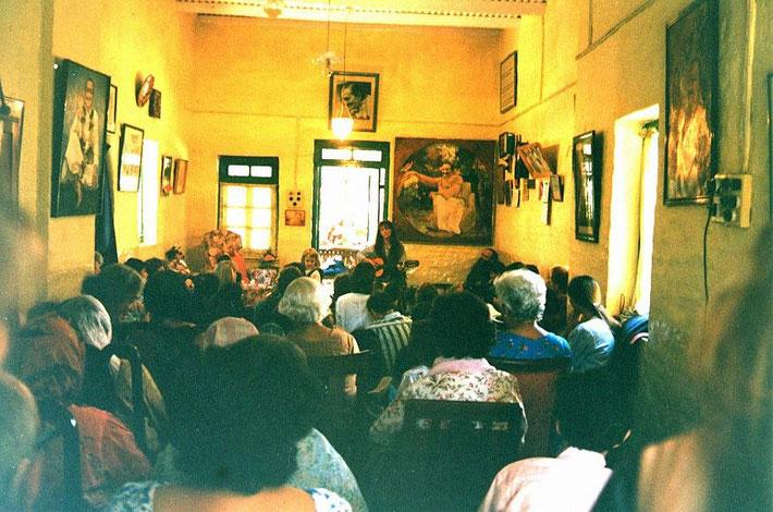 Raine at Meherazad Hall - photo by Anthony Zois