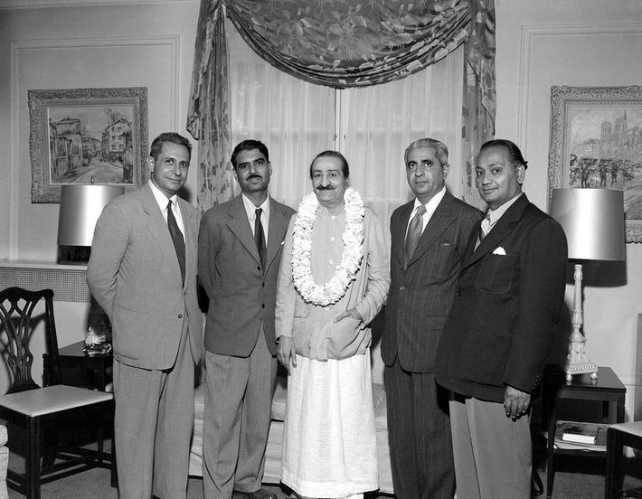 1956 : Meher Baba with the Indian men mandali who travelled with him for the USA & Australian tours.