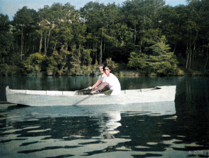1952 : Kitty with Dr.Goher Irani boating at the Meher Center lake, Myrtle Beach, SC.