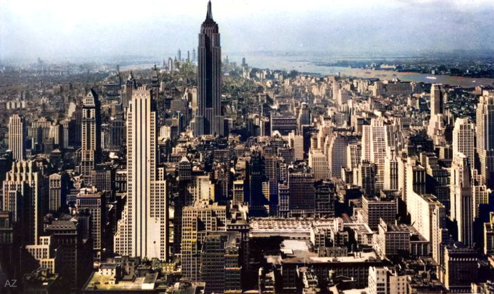 1934 - NYC aerial view. Image colourized by Anthony Zois.