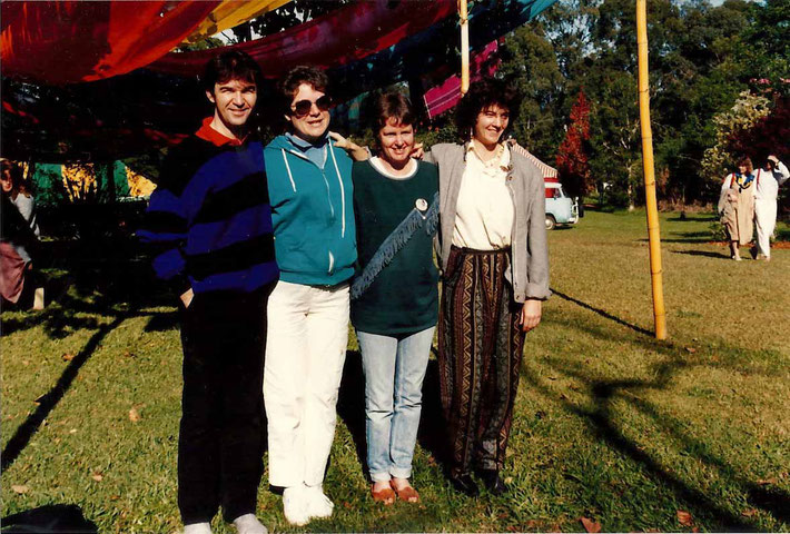 1988 : Avatar's Abode, Queensland - ( L-R ) Dan Fogliati, Judi, Judith Hobbs & Alison Sparks