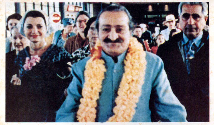 Meher Baba arriving at San Francisco Airport 1956. ( L-R ) Elizabeth Patterson, Bili, Filis Fredericks, Kitty Davy, Baba & Adi K. Irani