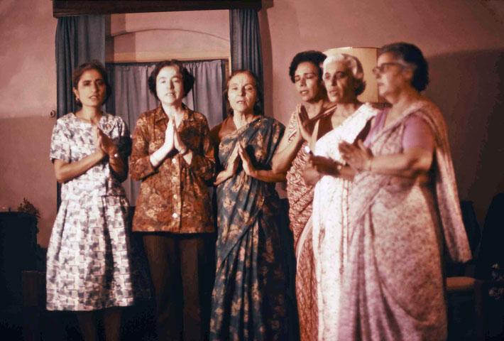The women singing arti India. Photo courtesy of Glenn & Laurel Magrini.