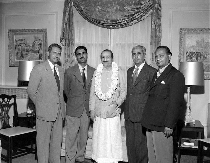 30th July 1956 - Ivy Duce's home, Washington D.C. : Meher Baba with ( l-r ) Meherjee Karkaria, Eruch Jessawala, Adi K. Irani & Dr.Nilu Godse. Photo taken by Harold Chase Davis