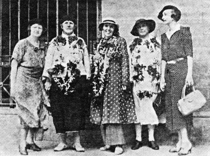 June 1938 ; ( L-R ) Elizabeth Patterson, Helen Dahm, Hedi Mertens, Nadine Tolstoy & Norina Matchabelli arrived in Bombay, India sailing on the ship S.S. Kaiser-i-Hind