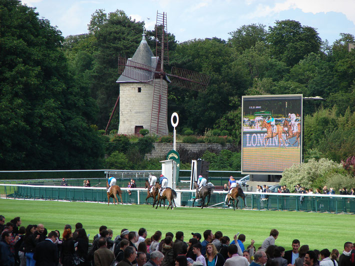 L'hippodrome et son moulin