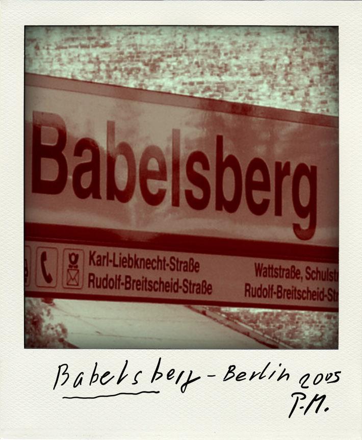 Pedro Meier Schriftsteller – Babelsberg Liebknecht – Polaroid 2005 zu Gedichtzyklus BERLIN Amrain Verlag © Pedro Meier Artist, Fotokünstler, Lyriker, Maler, Autor. Atelier: Niederbipp. Bangkok BACC, SIKART Zürich ProLitteris, Literatur, www.Autorenwelt.de