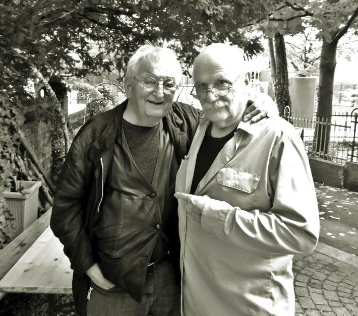 Peter Bichsel (Suhrkamp) und Pedro Meier, der als Buchhändlerlehrling 1960 für Adolf Lüthy in Solothurn das erste Buch von Peter Bichsel in die Schreibmaschine tippte: Versuche über Gino, illustr. Rolf Spinnler, Gigandet-Privatdruck. 2019 Künstlerhaus S11