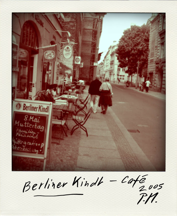 Pedro Meier Schriftsteller – Berliner Kindl Café – Polaroid 2005 zu Gedichtzyklus BERLIN – Amrain Verlag © Pedro Meier Artist, Fotokünstler, Lyriker, Maler, Autor. Atelier: Niederbipp. Bangkok BACC, SIKART Zürich ProLitteris, Literatur, www.Autorenwelt.de