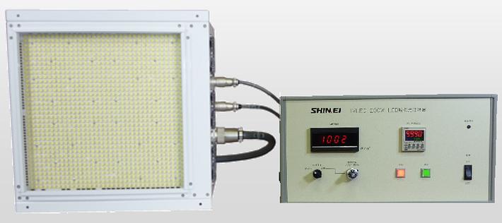 太陽電池のセル・モジュール評価・検査用光源装置のLED発光部分と制御部