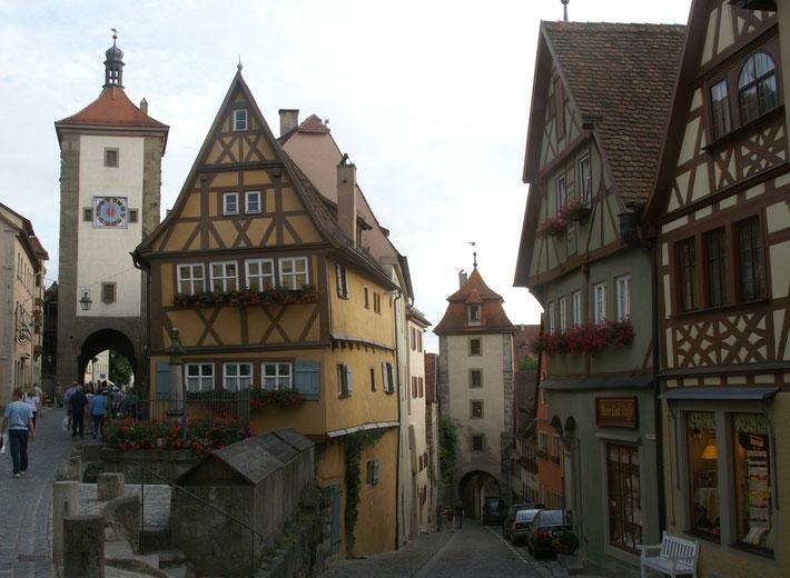 中世の宝石ローテンブルグ ここはポスターにもよく使われる絶好の写真スポット!