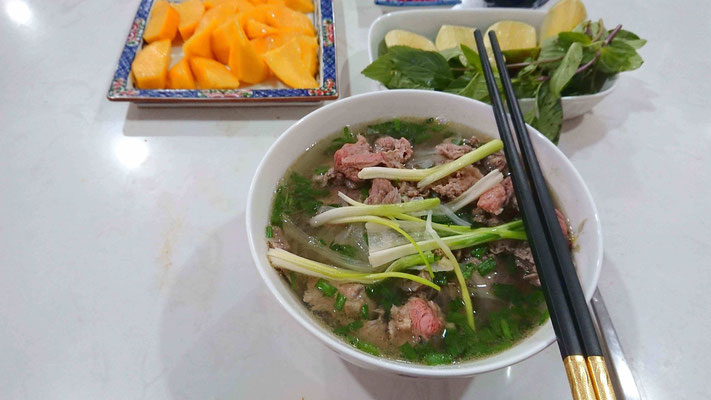 Zitronen-Limette-Koriander-Thai-Basilikum-Chili-Pho Bo-Geschmack-verfeinern-individuell-komponieren