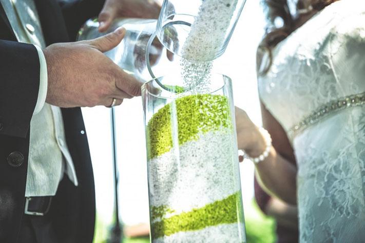 Sandsymbol bei Trauung, Sand Symbol Glas Vase, freie Trauung Symbolhandlung, freie Zeremonie Heiraten Worms