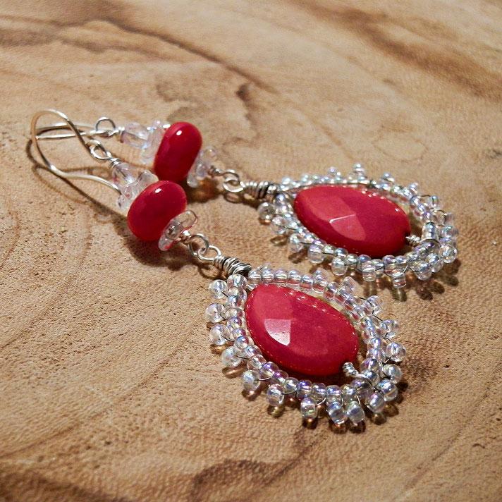 top 10 fantasy sieraden voor Outlander fans Claire Fraser's rode oorbellen