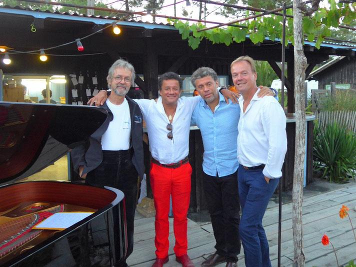 Cliquez ici pour voir les avis des pianistes concertistes sur  les pianos de location Steinway Modèle D Grand concert et B demi-queue en vente au magasin de Bordeaux