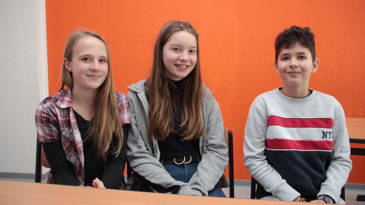 Tessa Marie Krug, Nelly Sybille Helmcke und Jan Niklas Winzerling (v.l.) vom Evangelischen Stiftungsgymnasium Magdeburg. Foto: Citypress Magdeburg