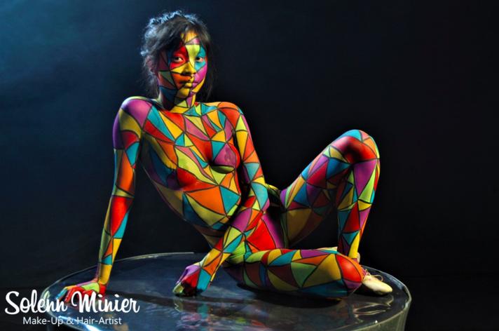 body painting solenn minier rennes femme arlequin jaune rouge violet bleu vert