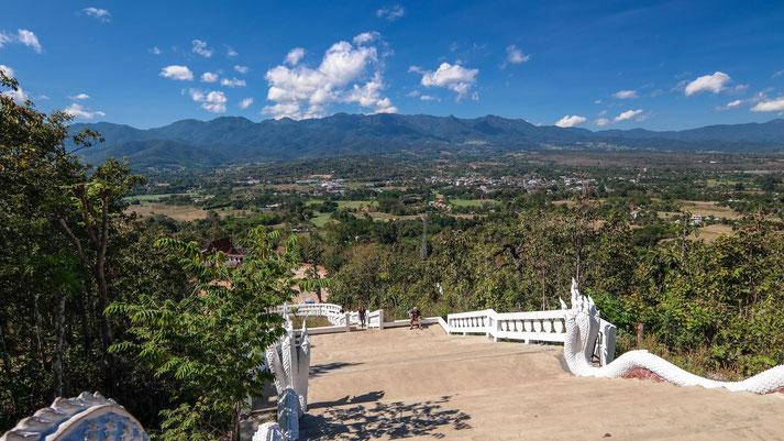Sicht auf Pai beim White Buddha
