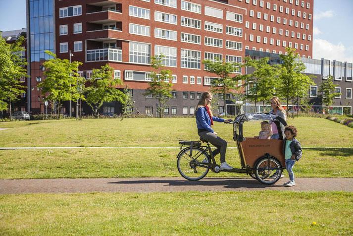 Lasten e-Bikes in der e-motion e-Bike Welt in Halver probefahren, vergleichen und kaufen