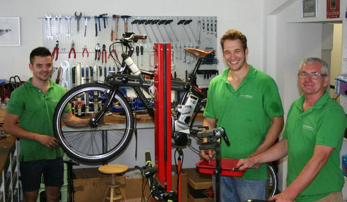 In der e-motion e-Bike Welt in Bonn können Sie alles rund um das Thema Falt- und Kompaktrad erfahren.