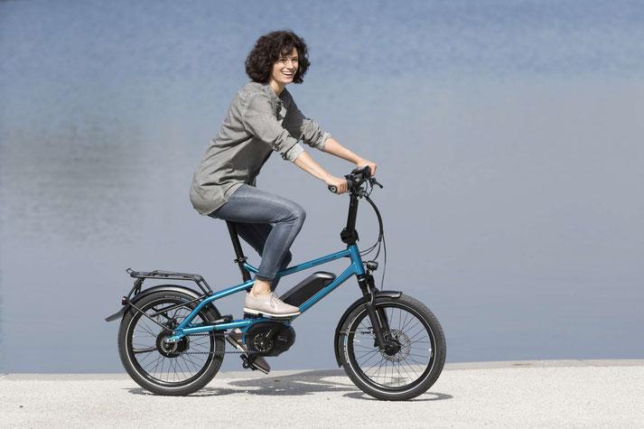 Lernen Sie die praktischen Eigenschaften von Falt- und Kompakt e-Bikes in der e-motion e-Bike Welt Hamburg kennen