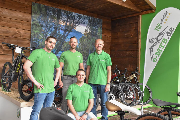 Das Team für Beratung & Verkauf der e-motion e-Bike Welt Hanau