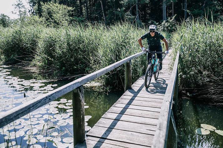 Husqvarna e-Bikes, e-MTBs und Pedelecs in der e-motion e-Bike Welt Westhausen