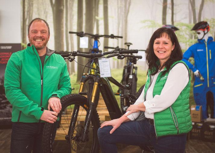 Beratung zu City e-Bikes in der e-motion e-Bike Welt Sankt Wendel