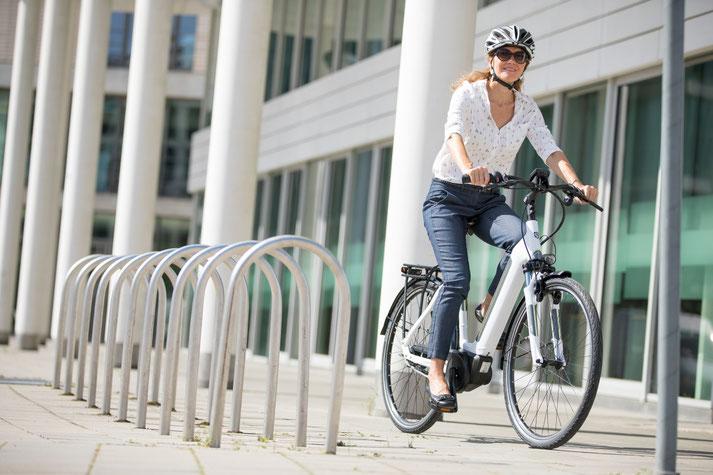 Im Shop in Hannover-Südstadt können Sie sich viele City e-Bikes ansehen.
