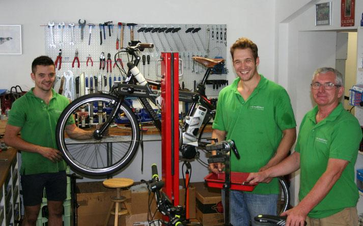 Kostenlose Beratung, Probefahrt und Vergleich von Trekking e-Bikes in der e-motion e-Bike Welt in Bonn