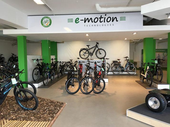 Kostenlose Beratung, Probefahrt und Vergleich von Trekking e-Bikes in der e-motion e-Bike Welt in Göppingen