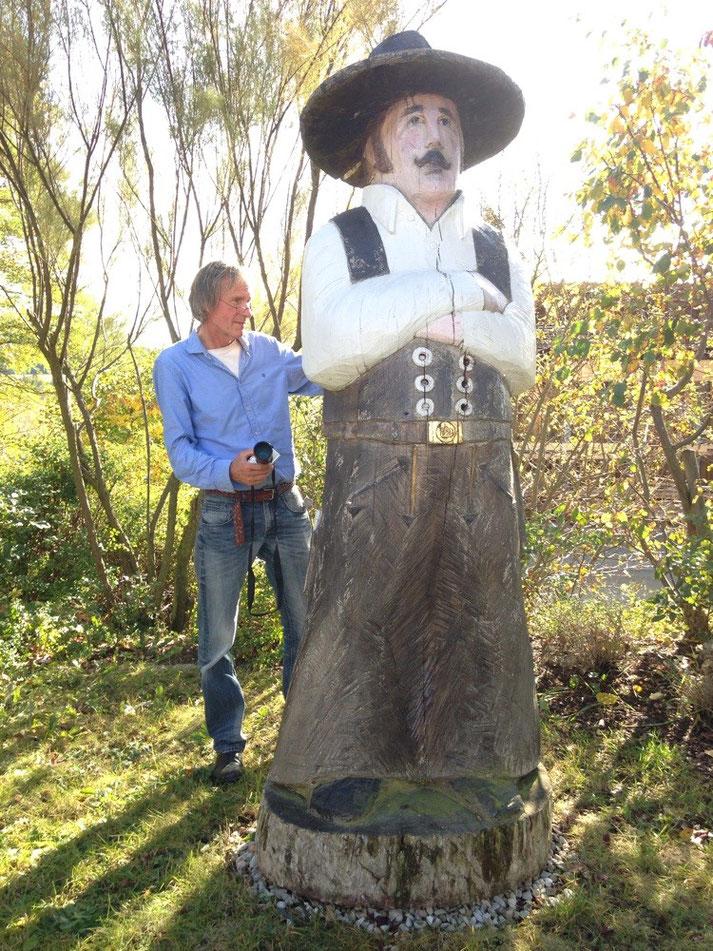 Reiner beetourist zu Besuch bei Figurenbeute, hier beim Zimmermann bei Holzbau Gehring