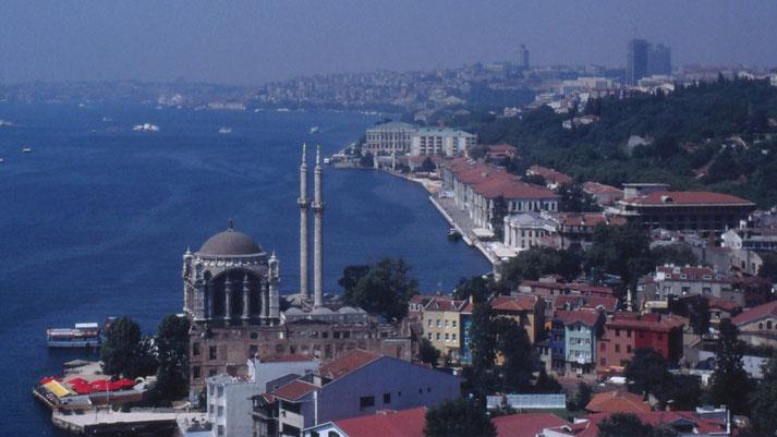 ISTANBUL - FAHRT ÜBER DEN BOSPORUS