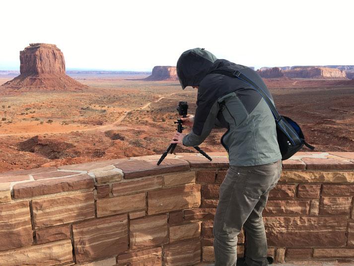 pocketPANO Nodalpunktadapter mit der Canon G7X II auf einem Reisestativ im Monument Valley