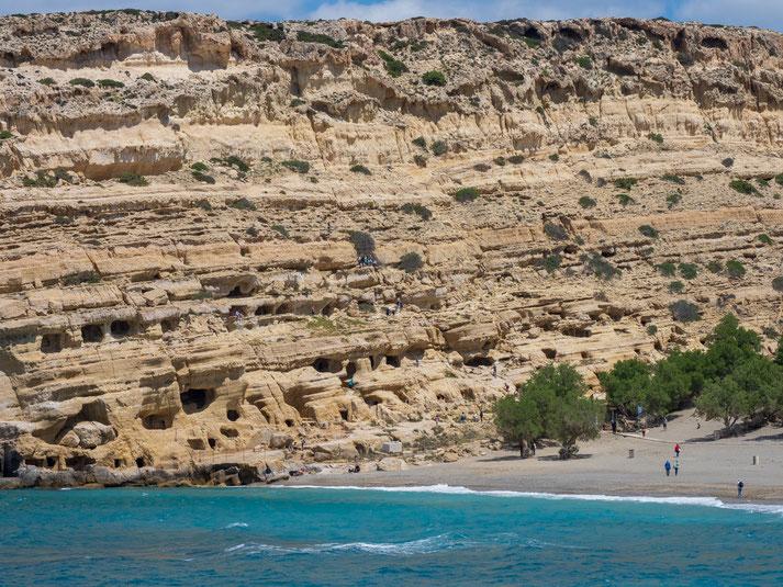 Touristenattraktion, Besichtigung der Höhlen von Matala