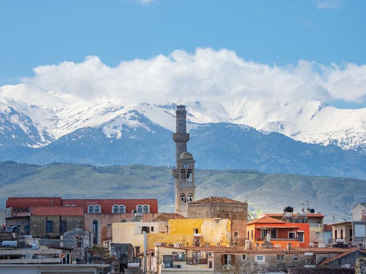 """Chania - im Hintergrund die Lefka Ori (""""weiße Berge)"""