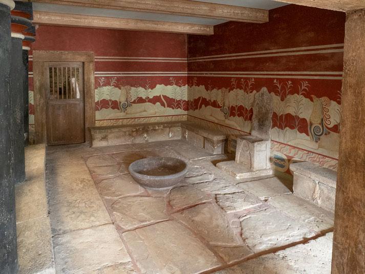 """""""Thronsaal"""", ob hier der mythische König Minos wirklich auf seinem Thronstuhl gesessen ist ?"""