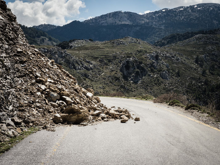 Begegnungen mit denen man nicht rechnet (2): unterwegs auf den Bergstraßen von Kreta...